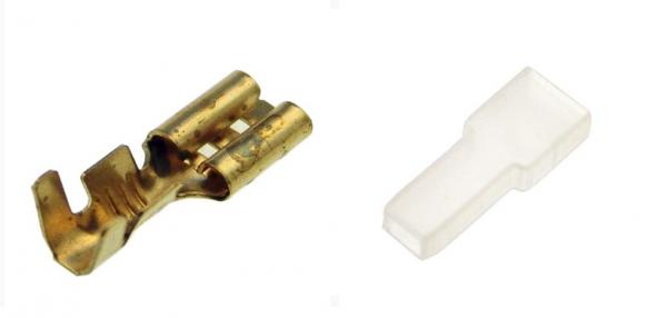 AMP Stecker 4,8mm mit Isolierhülse (Set besteht aus 20 Steckern und 20 Isolierhülsen)